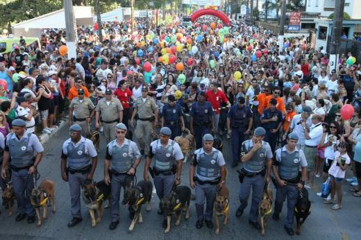 8ª Cãominhada reúne mais de 20 mil pessoas