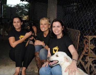 Xuxa é a nova madrinha dos Animais Abandonados